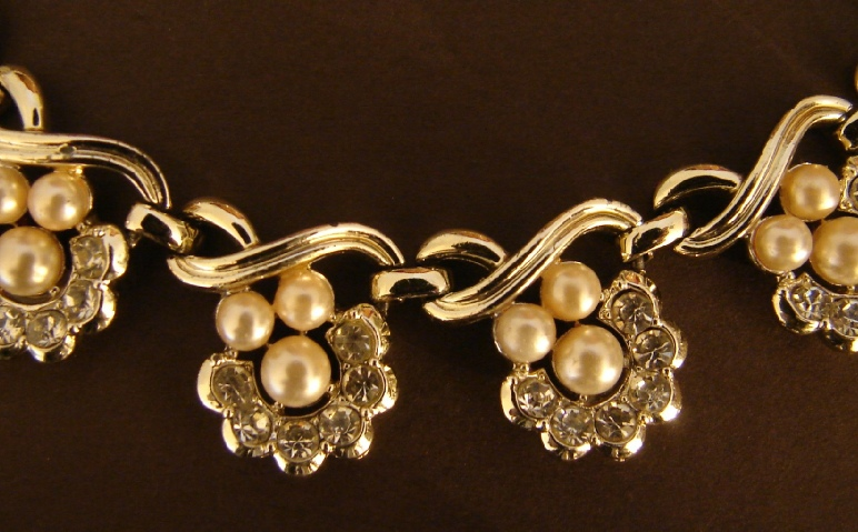 Faux Pearls and Rhinestones gold tone necklace